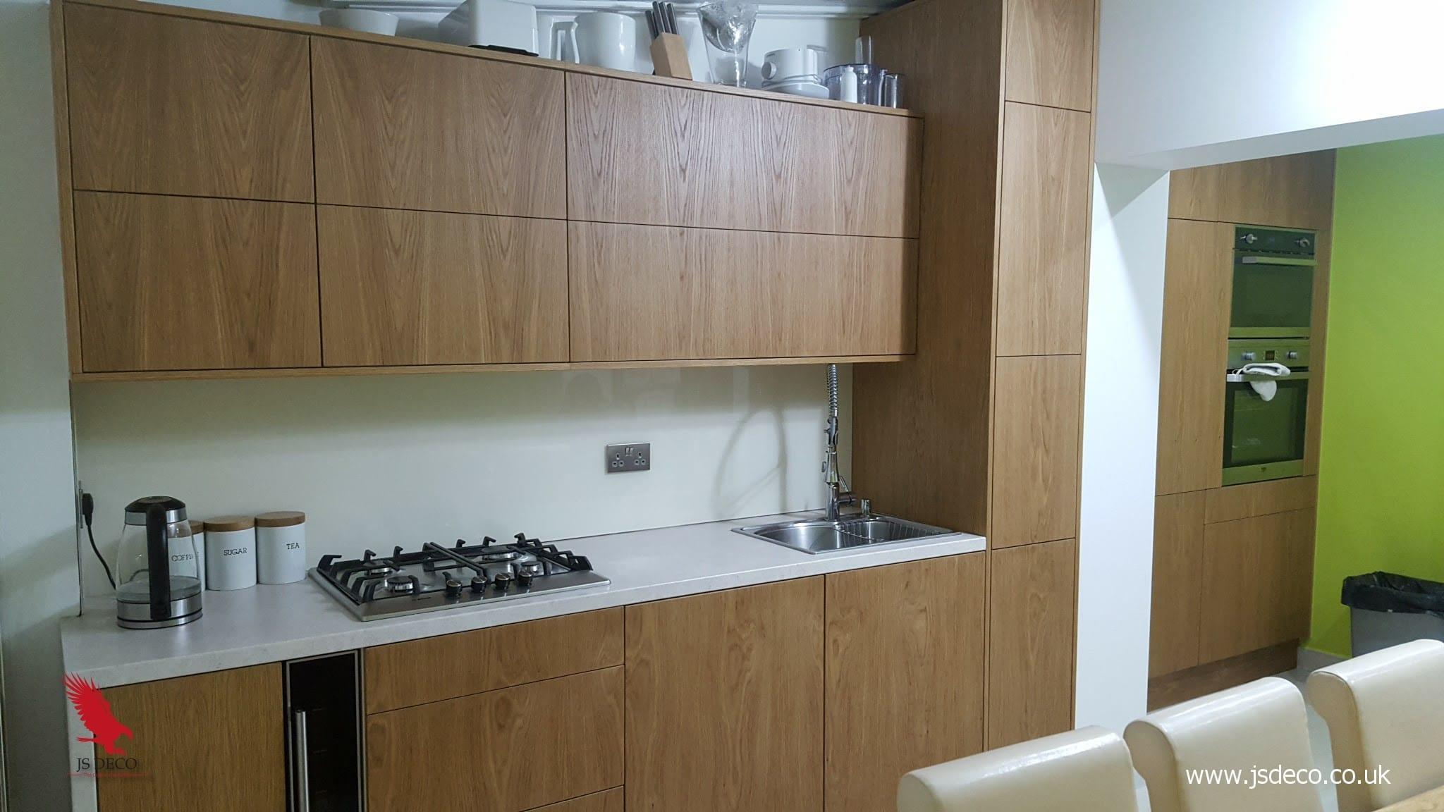 Modern oak veneer kitchen