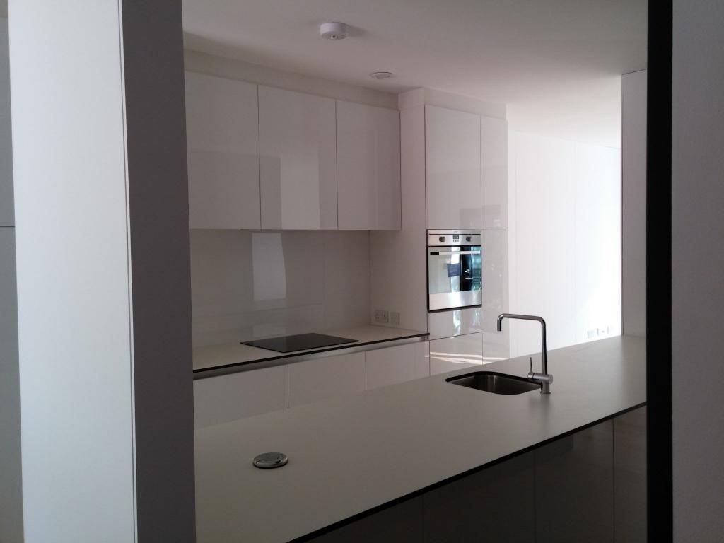 White modern high gloss kitchen