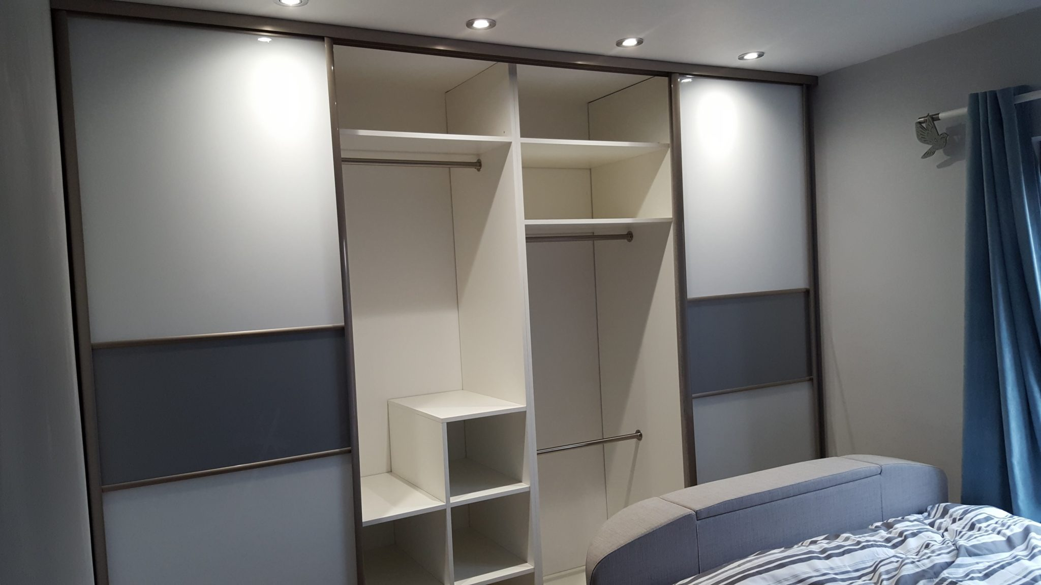 Fitted sliding wardrobe Halifax